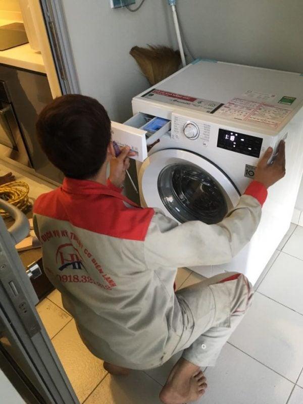 Dịch vụ vệ sinh máy giặt của Điện Lạnh HK