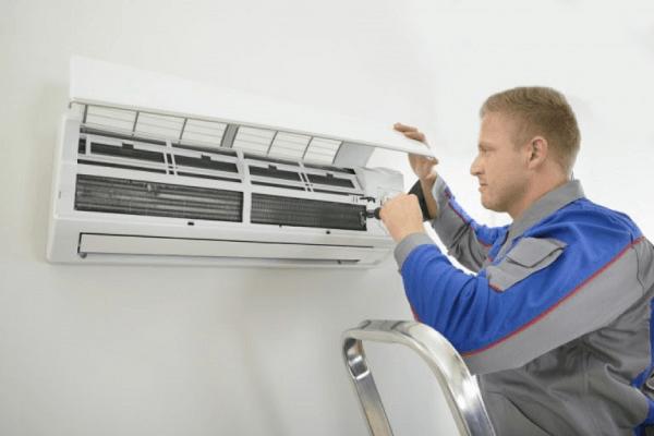 Nhân viên kỹ thuật vệ sinh máy lạnh giàu kinh nghiệm thực tế