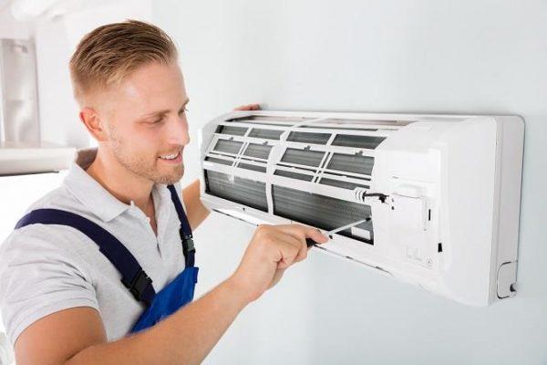 Quy trình vệ sinh máy lạnh được thực hiện nhanh chóng