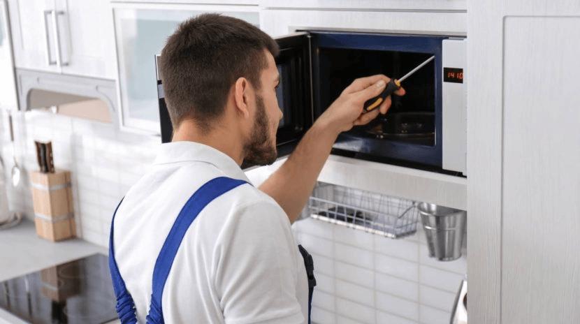 Điện Lạnh HK sửa lò theo quy trình chuyên nghiệp