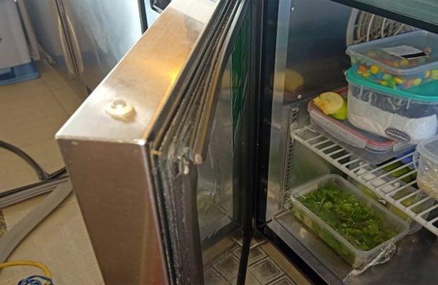 Ron tủ lạnh bị hở