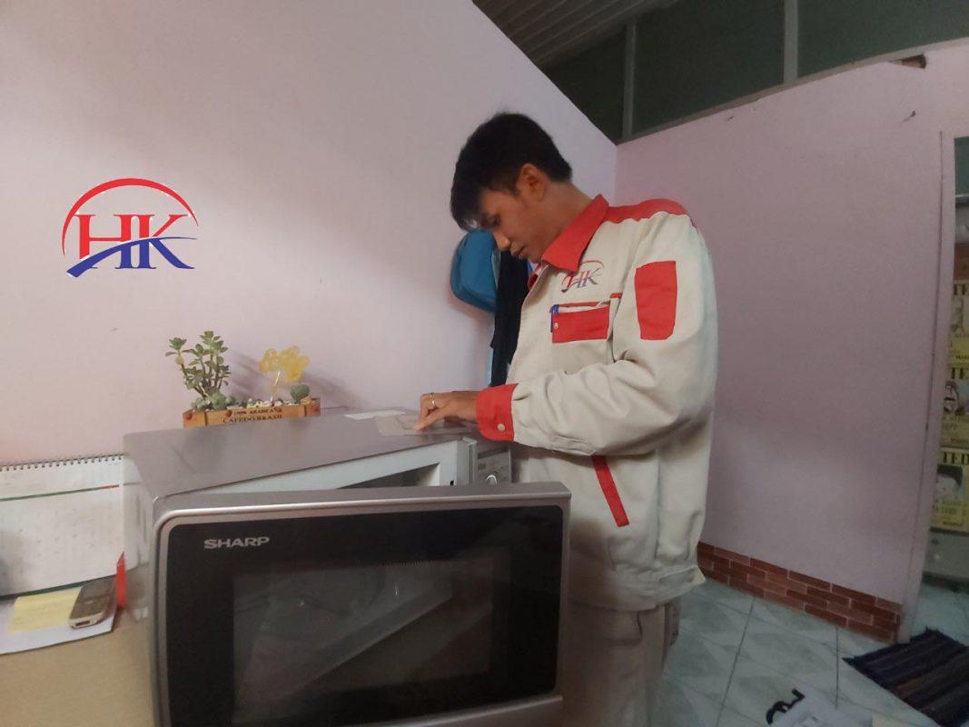 Dịch vụ sửa lò vi sóng quận 1 tại Điện Lạnh HK