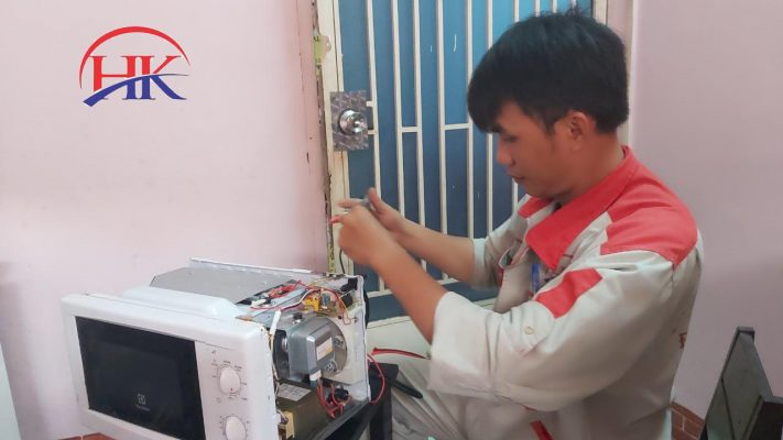 Điện Lạnh HK giúp bạn khắc phục những hư hỏng của lò vi sóng nhanh chóng và hiệu quả