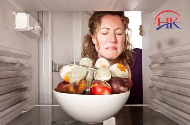 tủ lạnh có mùi hôi