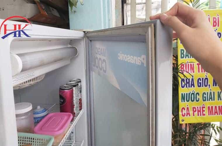 Tủ lạnh xuât hiện mùi hôi khó chịu